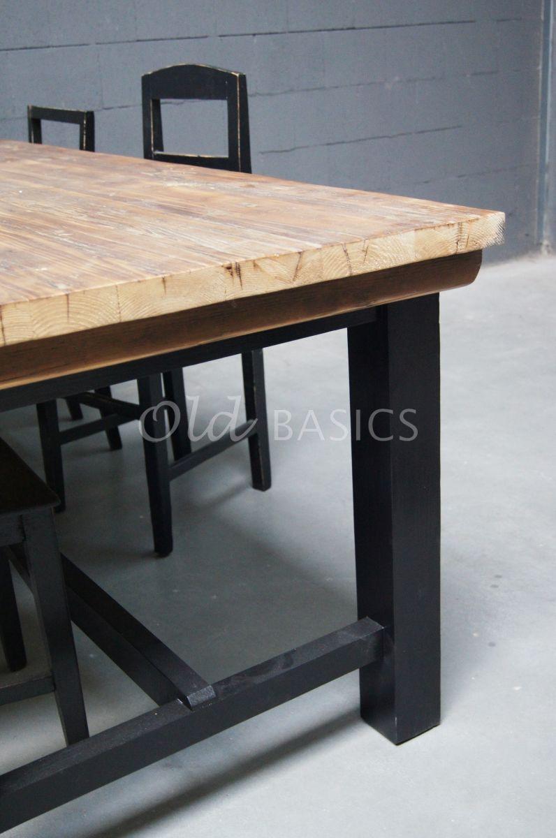 Detail van Eettafel Rustique, zwart, naturel, materiaal hout