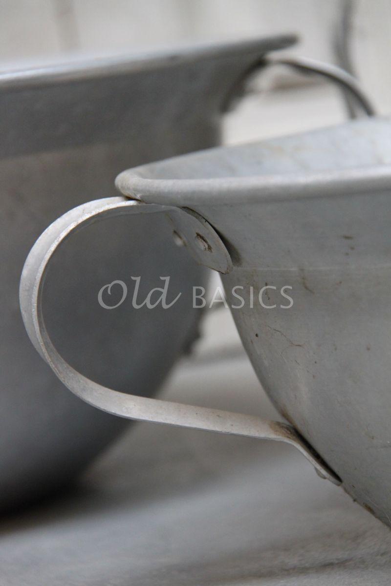 Detail van Schaal, zilver / ijzer, materiaal staal
