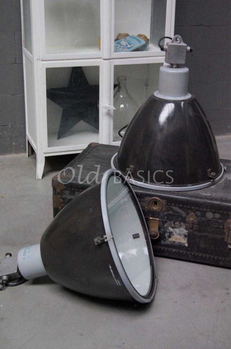 Industrielamp, grijs, materiaal staal