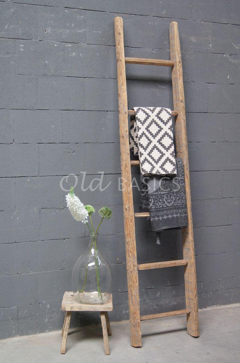 Houten ladder 4 1704 005 old basics - Decoratie montee d trap ...