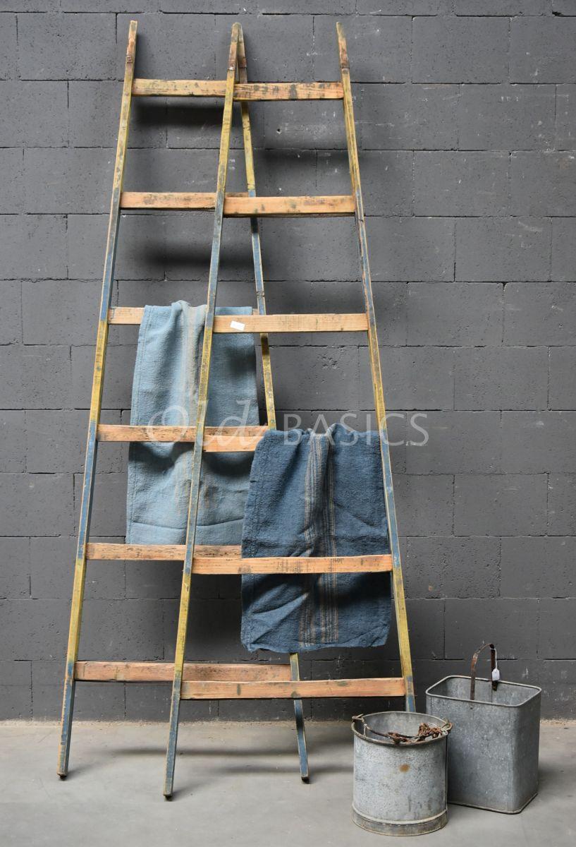 Houten ladder, blauw, geel, naturel, materiaal hout