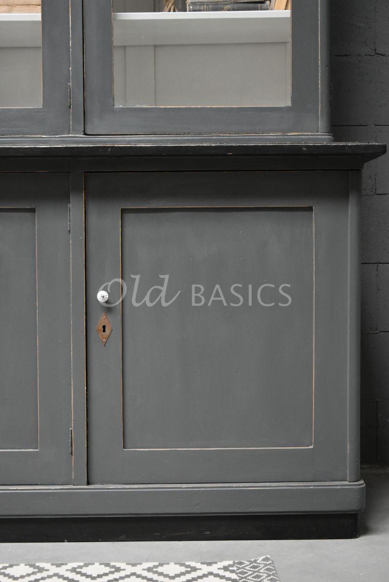 Detail van Buffetkast, grijs, zwart, materiaal hout