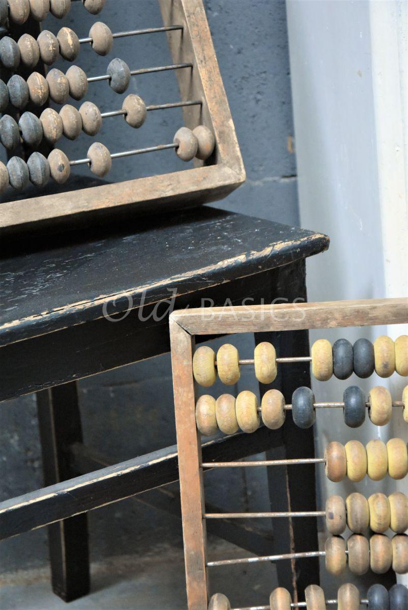 Detail van Telraam, zwart, naturel, materiaal hout