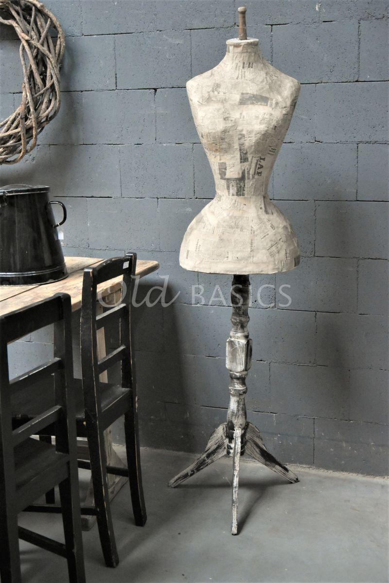 Paspop, grijs, bruin, materiaal hout