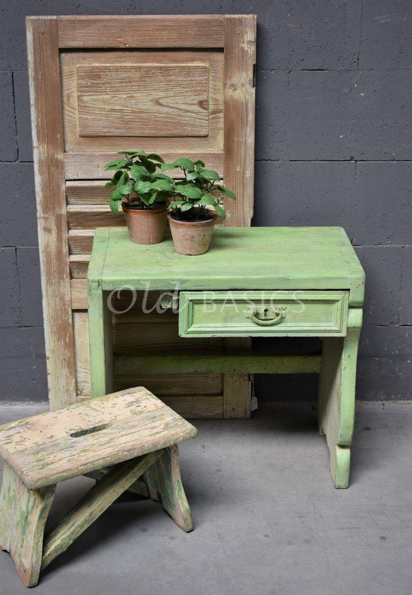 Detail van Bankje, groen, materiaal hout