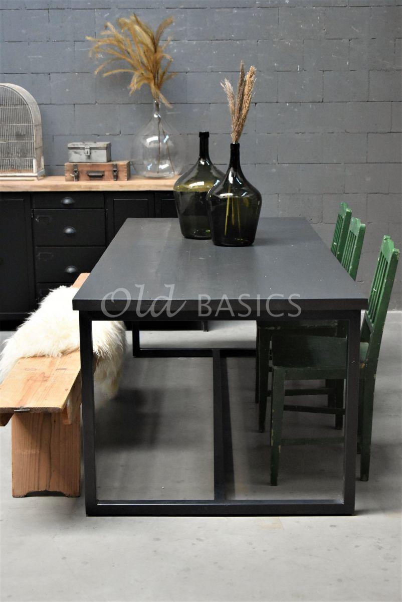 Eettafel Iron, RAL7021, zwart, grijs, materiaal staal
