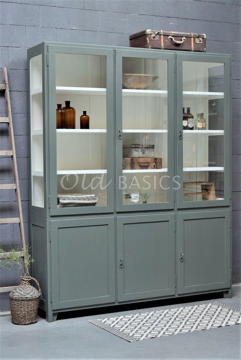 Vitrinekast Jeanette, 3 deuren, RAL7009, groen, grijs, materiaal hout