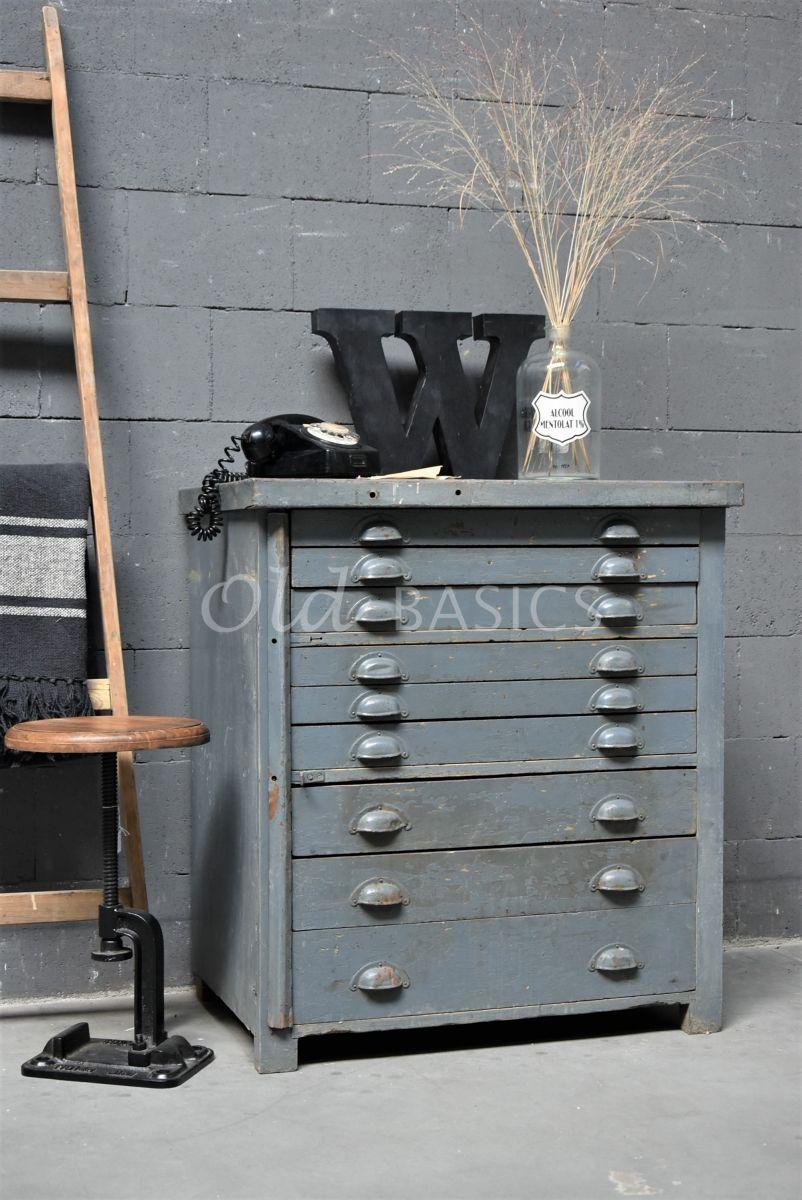 Detail van Ladekast, blauw, grijs, materiaal hout