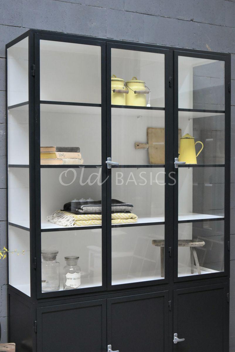 Detail van Apothekerskast Demi, 3 deuren, RAL7021, zwart, grijs, materiaal staal