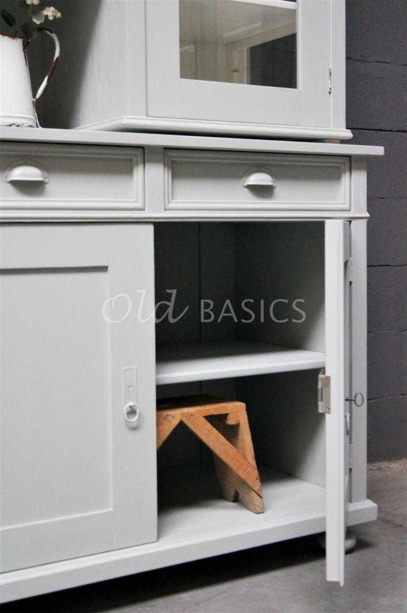 Detail van Buffetkast Petit, 4 deuren, RAL7038, grijs, materiaal hout