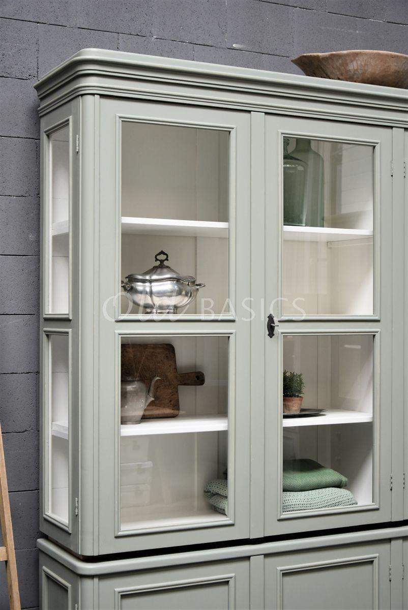 Detail van Vitrinekast Amiens, 4 deuren, RAL7033, groen, grijs, materiaal hout