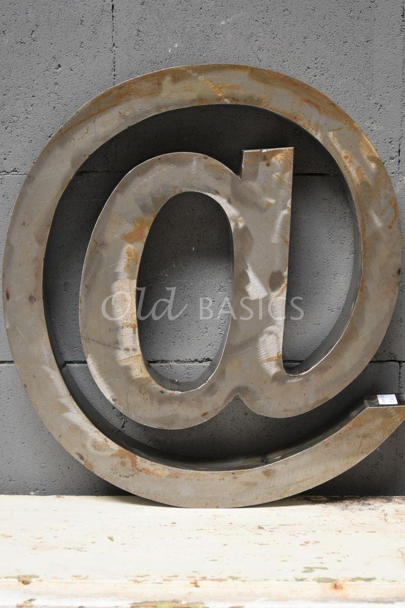 Detail van @teken groot roest, roest, materiaal staal