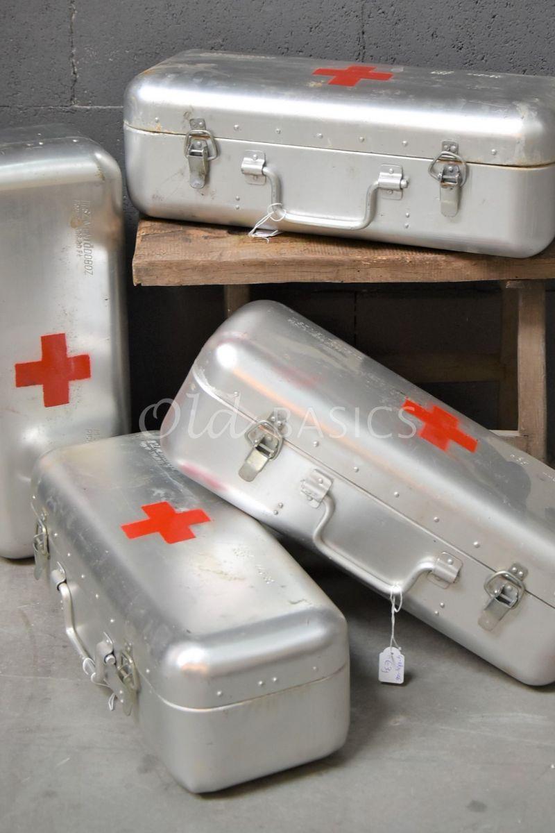Medicijnkist, metaal, materiaal staal