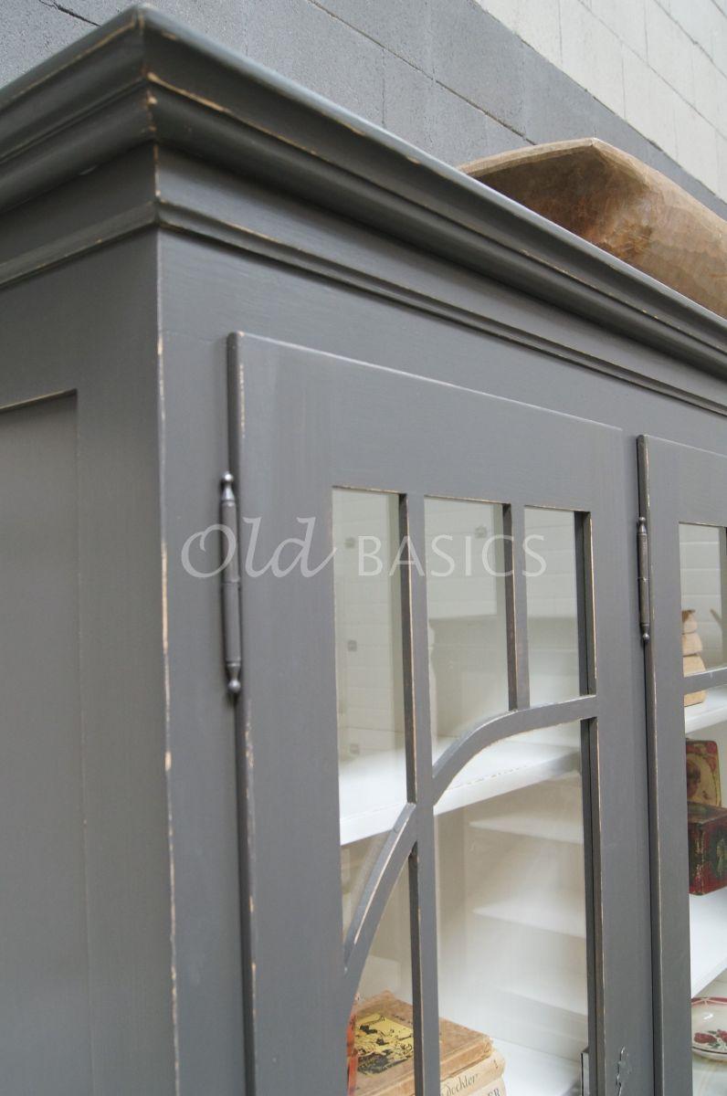 Detail van Vitrinekast Federica, 4 deuren, RAL7022, grijs, materiaal hout