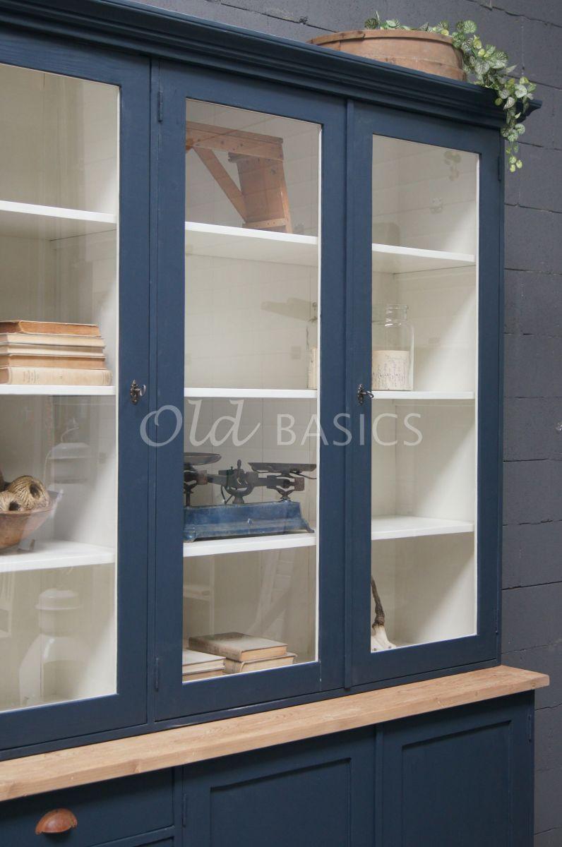 Detail van Vitrinekast Rustique, 3 deuren, RAL5008, blauw, materiaal hout