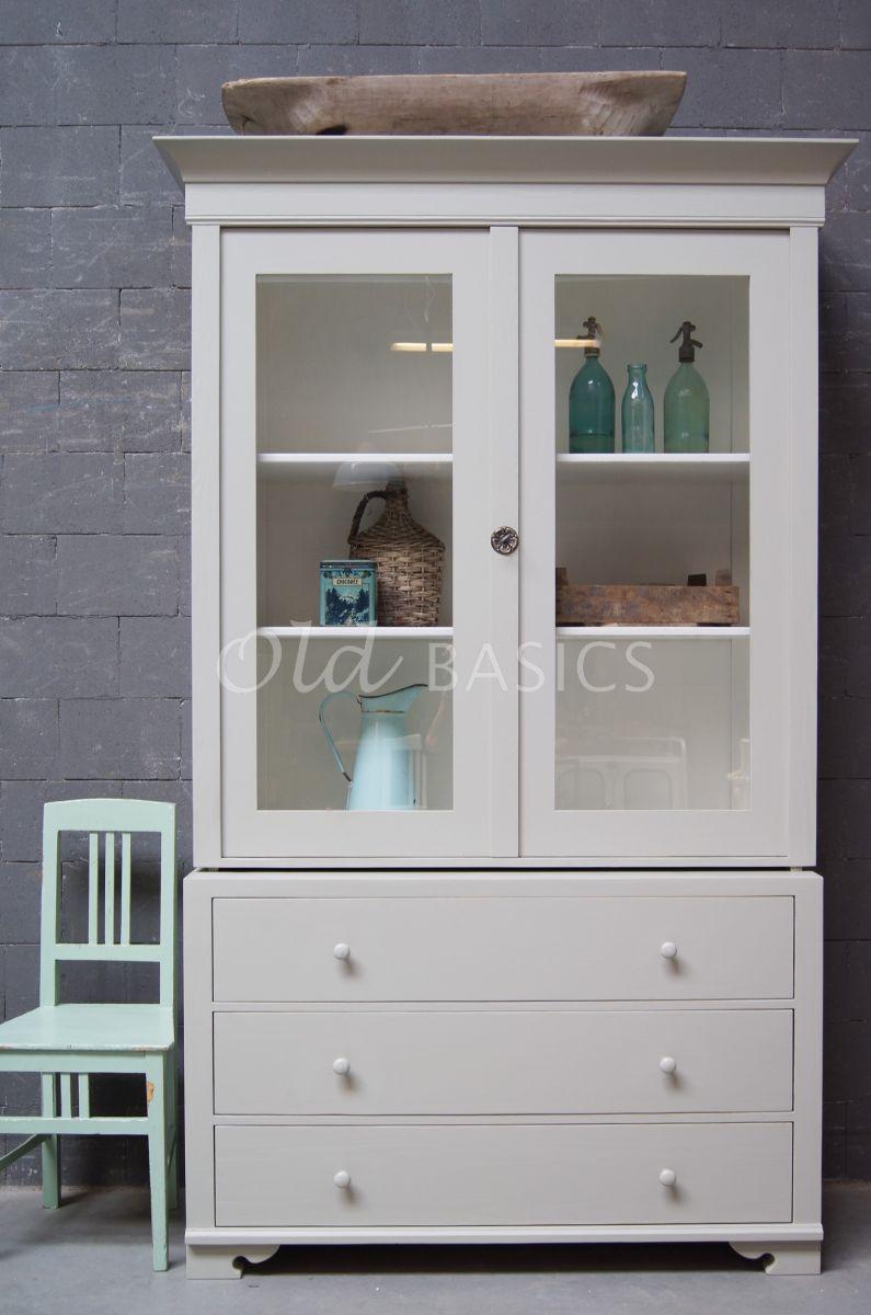Detail van Zweedse vitrinekast, 2 deuren, RAL7032, grijs, materiaal hout