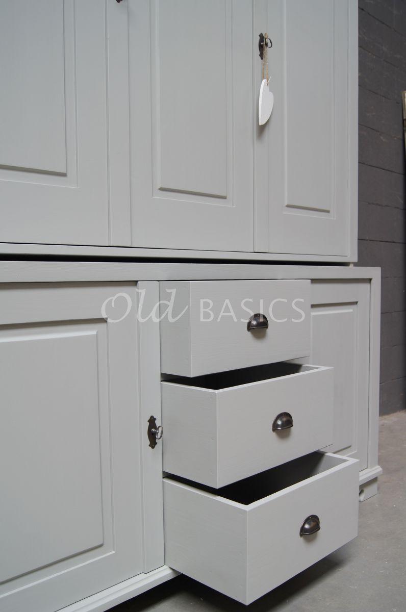 Detail van Zweedse kast, 3 deuren, RAL7038, grijs, materiaal hout