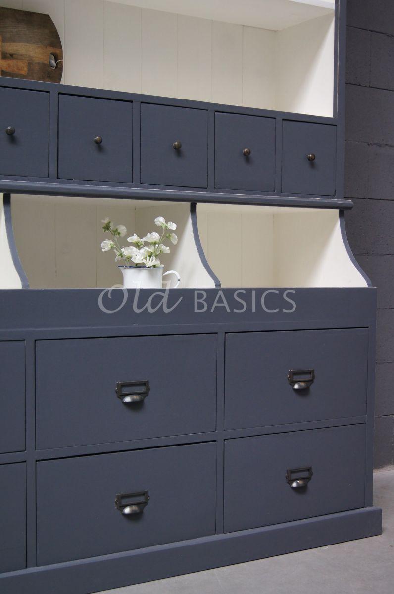 Detail van Grutterskast Grand, 4 deuren, RAL7015, blauw, grijs, materiaal hout