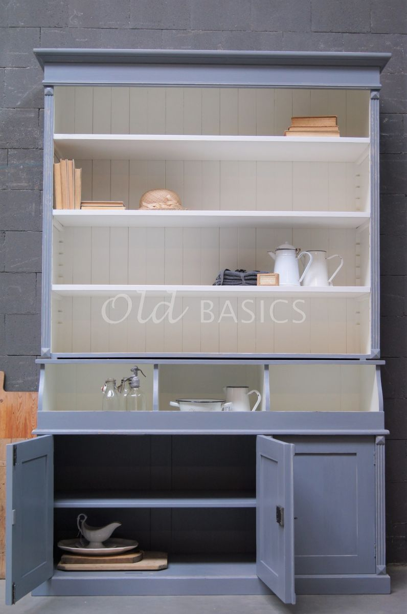 Detail van Grutterskast Petit, 3 deuren, RAL7046, blauw, grijs, materiaal hout