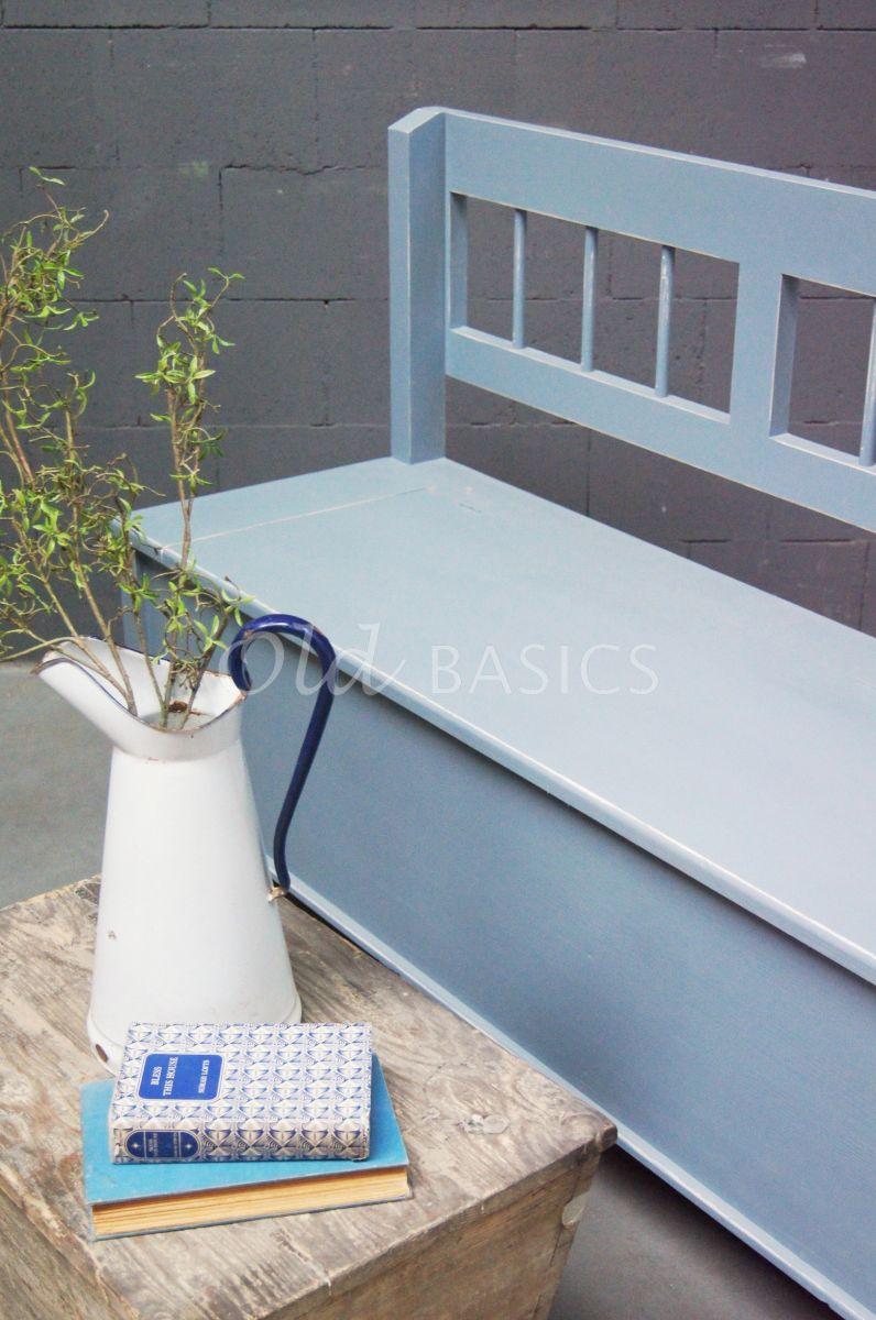Detail van Klepbank Lorraine, blauw, grijs, materiaal hout