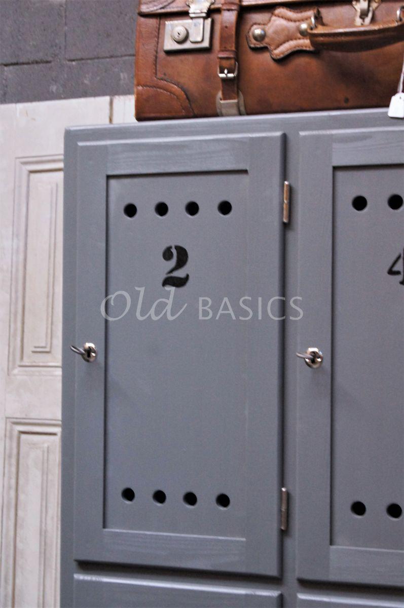 Detail van Lockerkast Numero, 4 deuren, RAL7005, grijs, materiaal hout