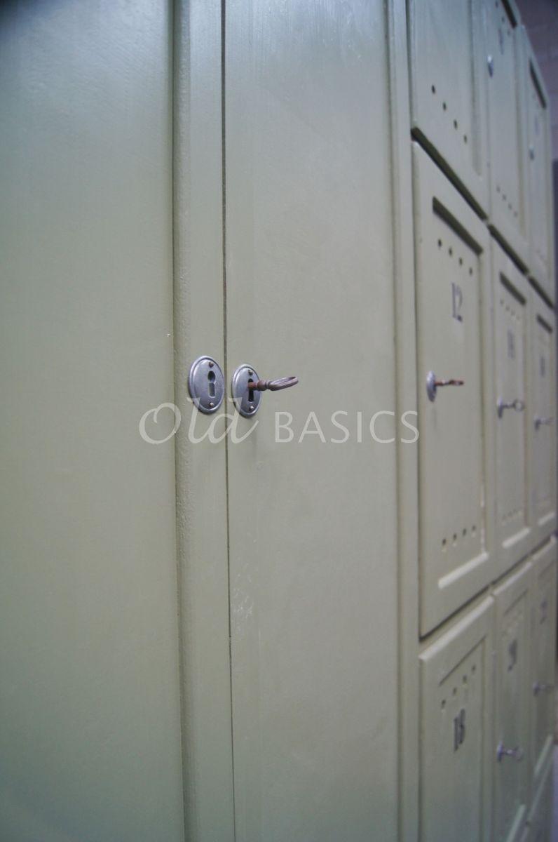 Detail van Lockerkast Numero, 5 deuren, RAL6013, groen, materiaal hout
