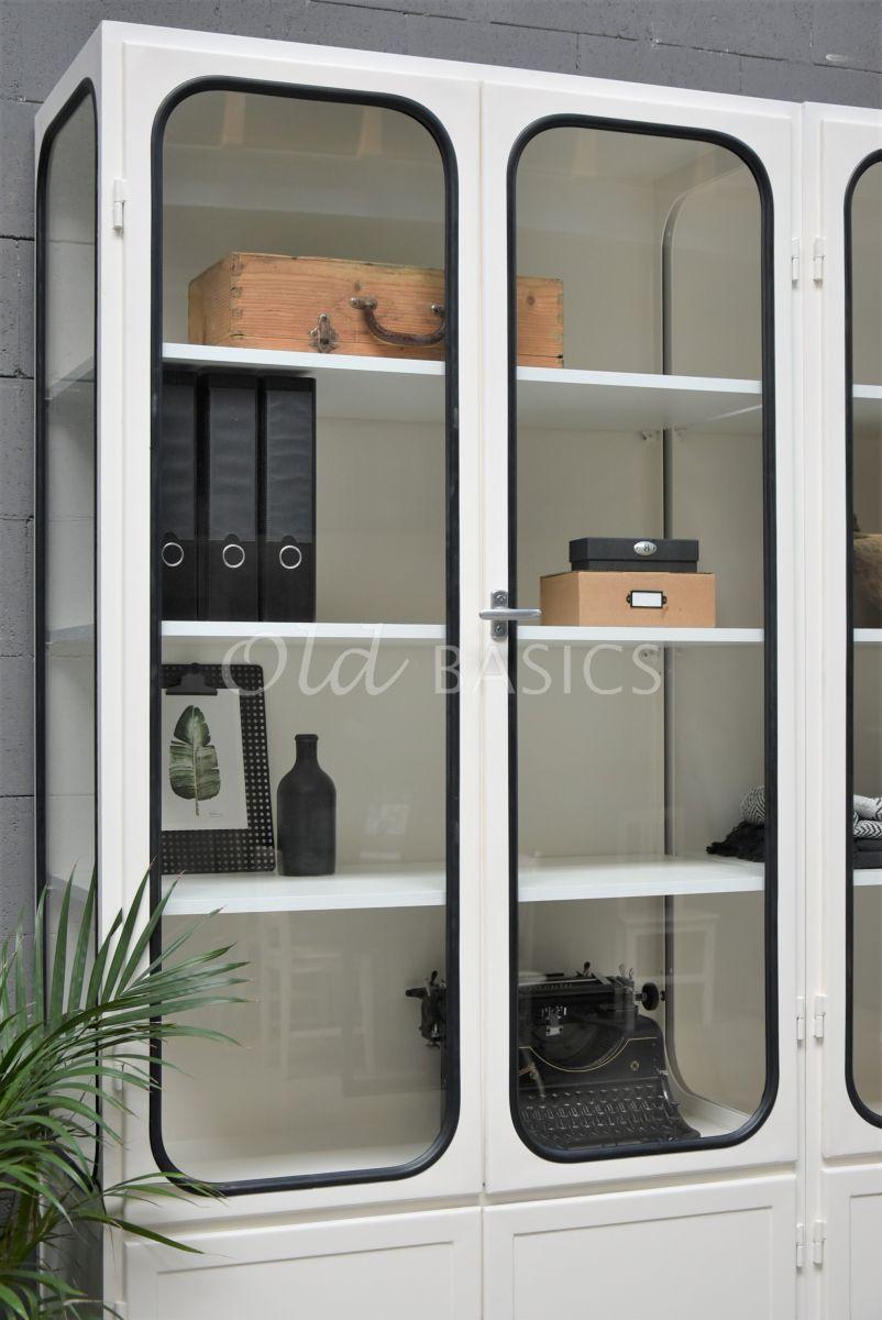 Detail van Apothekerskast Retrique, 6 deuren, RAL9010, wit, materiaal staal