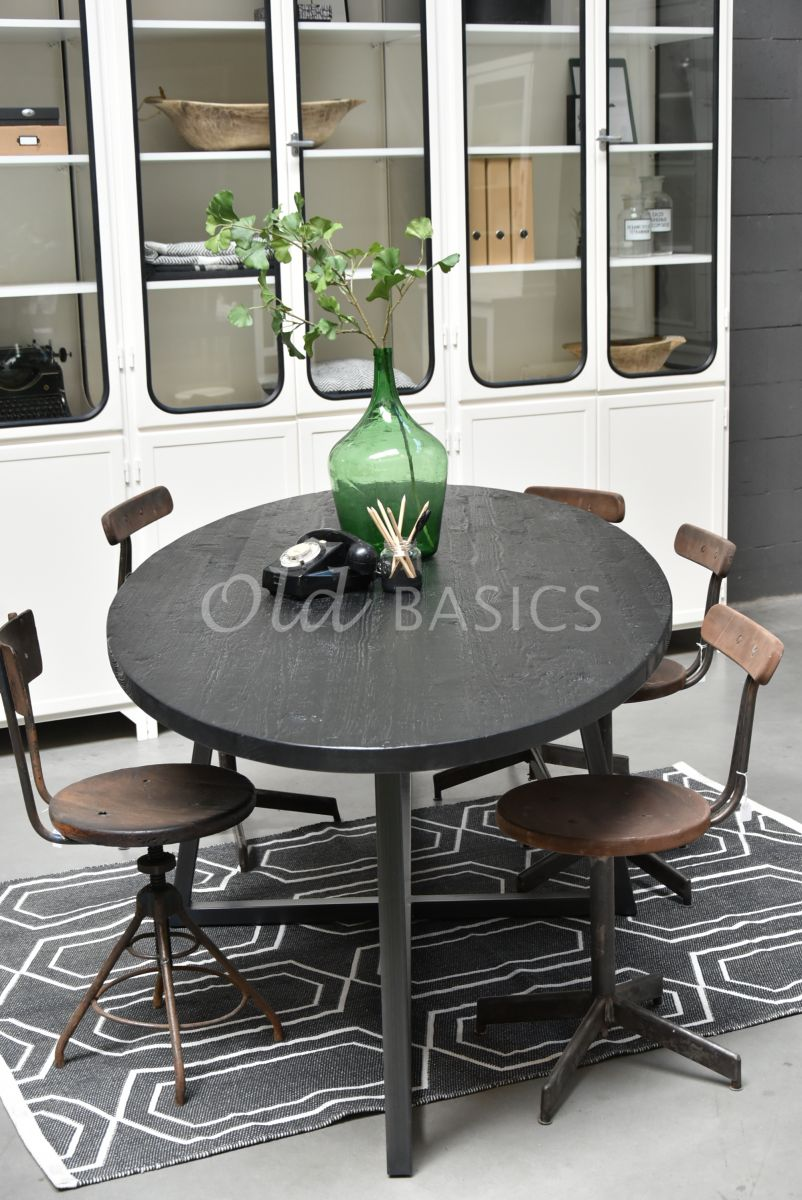 Detail van Eettafel Annecy, zwart, materiaal staal