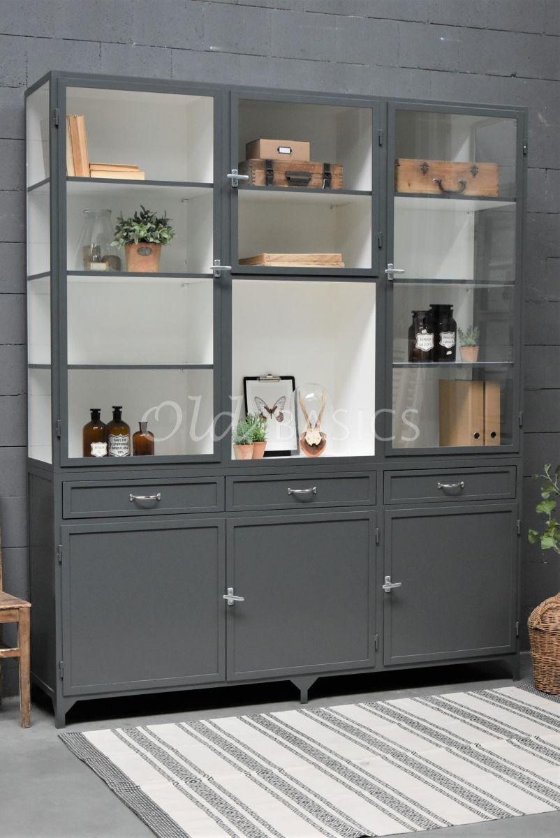 Apothekerskast Fio, 3 deuren, RAL7043, grijs, materiaal staal