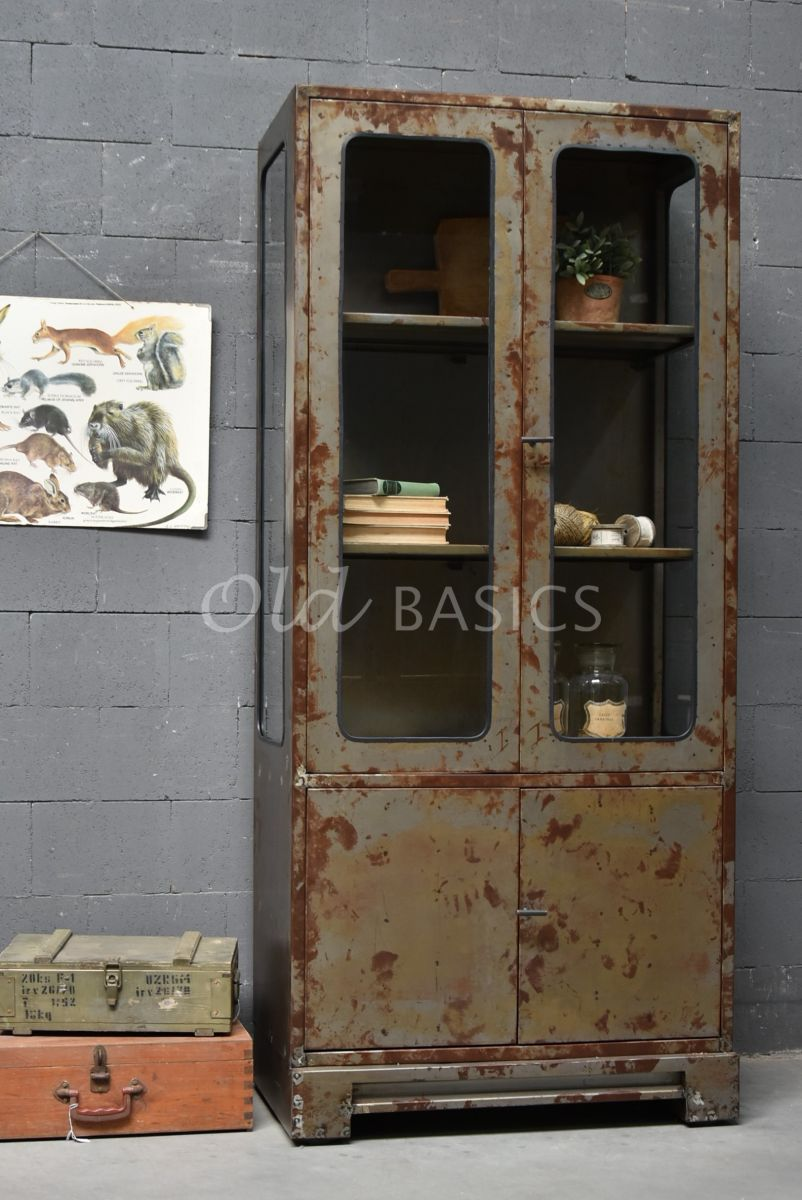 Apothekerskast, roest, materiaal staal