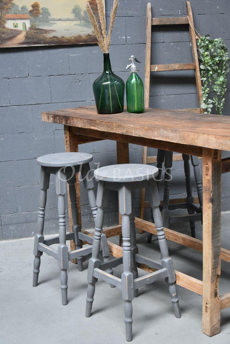 Kruk, grijs, materiaal hout