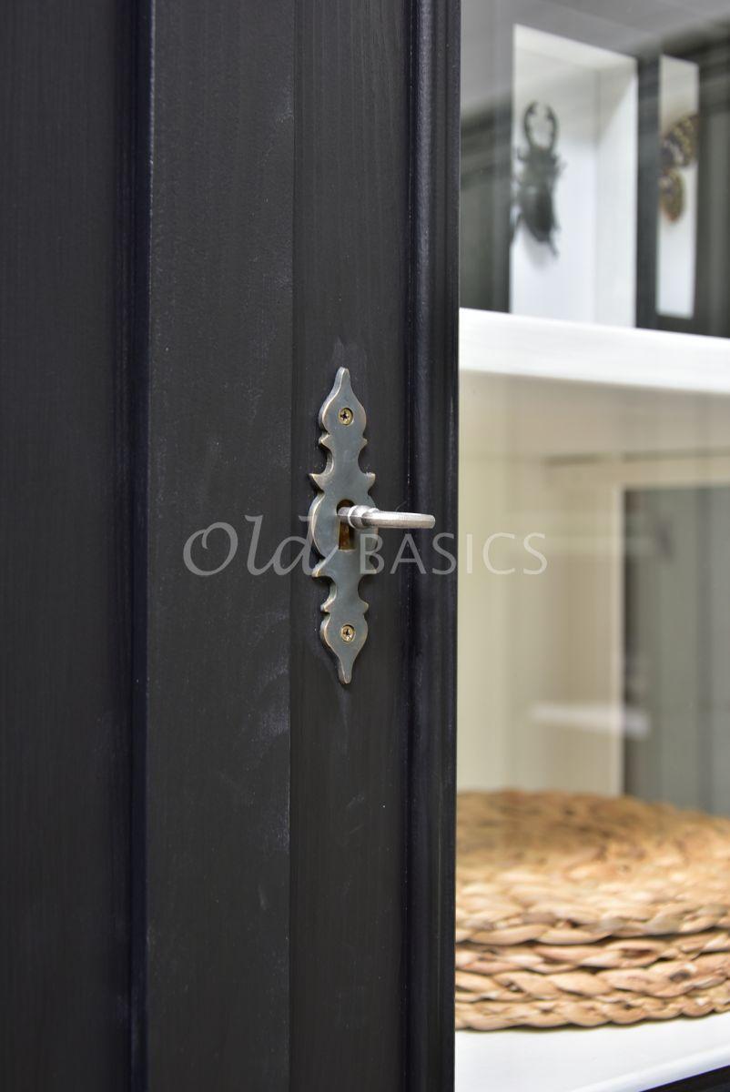Detail van Vitrinekast Amiens, 2 deuren, RAL9005, zwart, materiaal hout