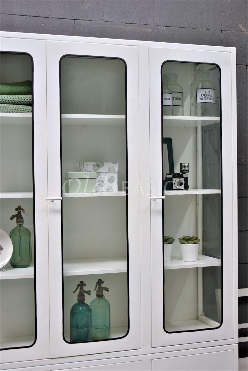 Detail van Apothekerskast Retro Trois Blanc, wit, materiaal staal