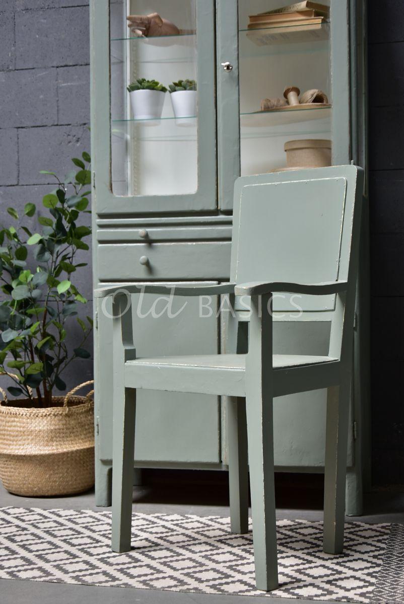 Detail van Houten stoel, groen, grijs, materiaal hout