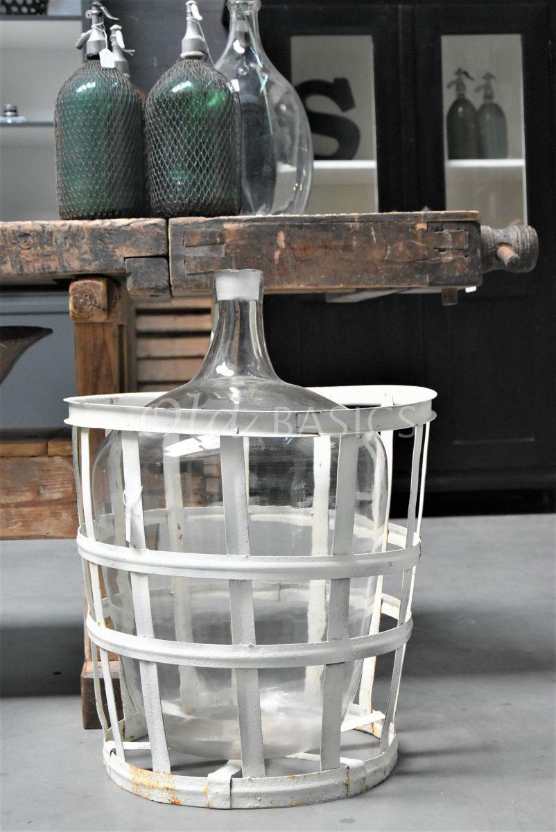 Mand met vaas, materiaal glas