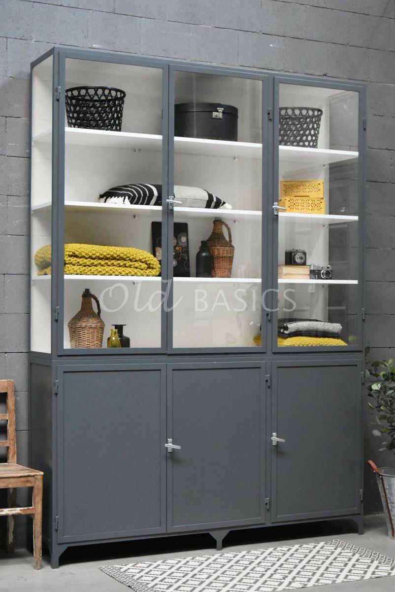 Apothekerskast Demi, 3 deuren, RAL7043, grijs, materiaal staal