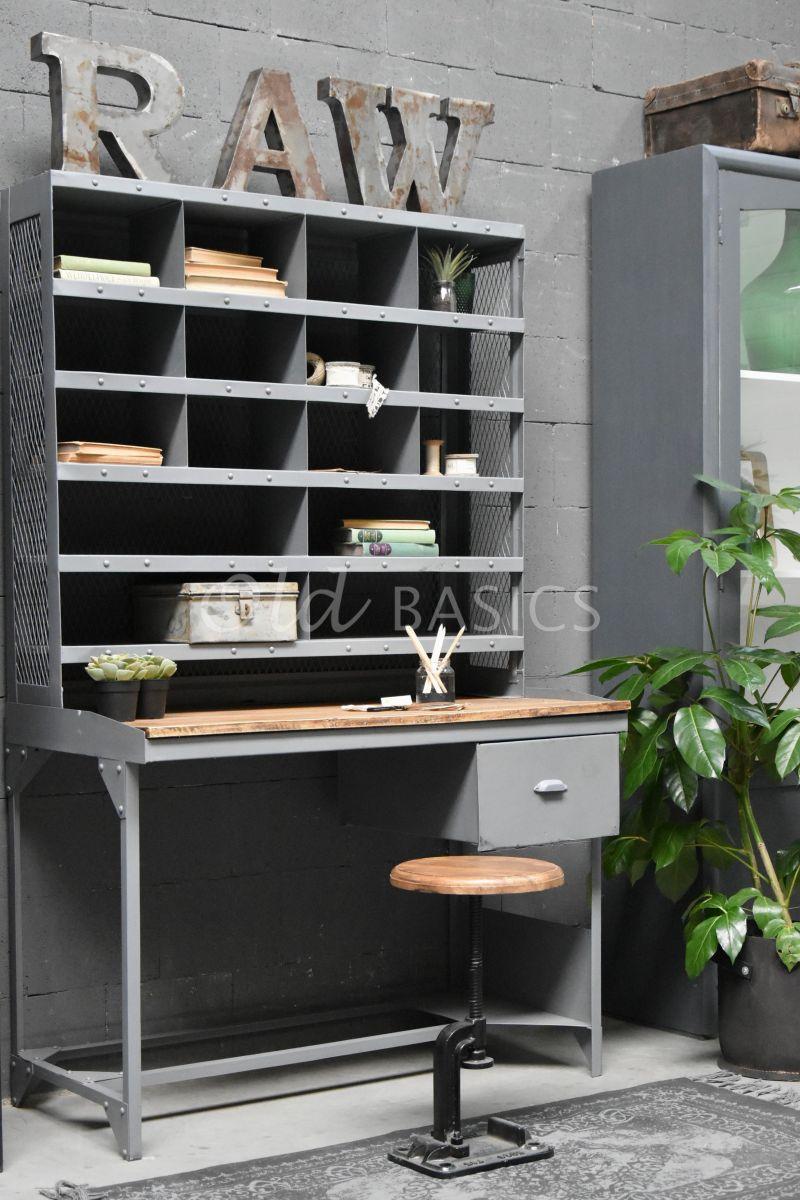 Postbureau, grijs, naturel, materiaal staal