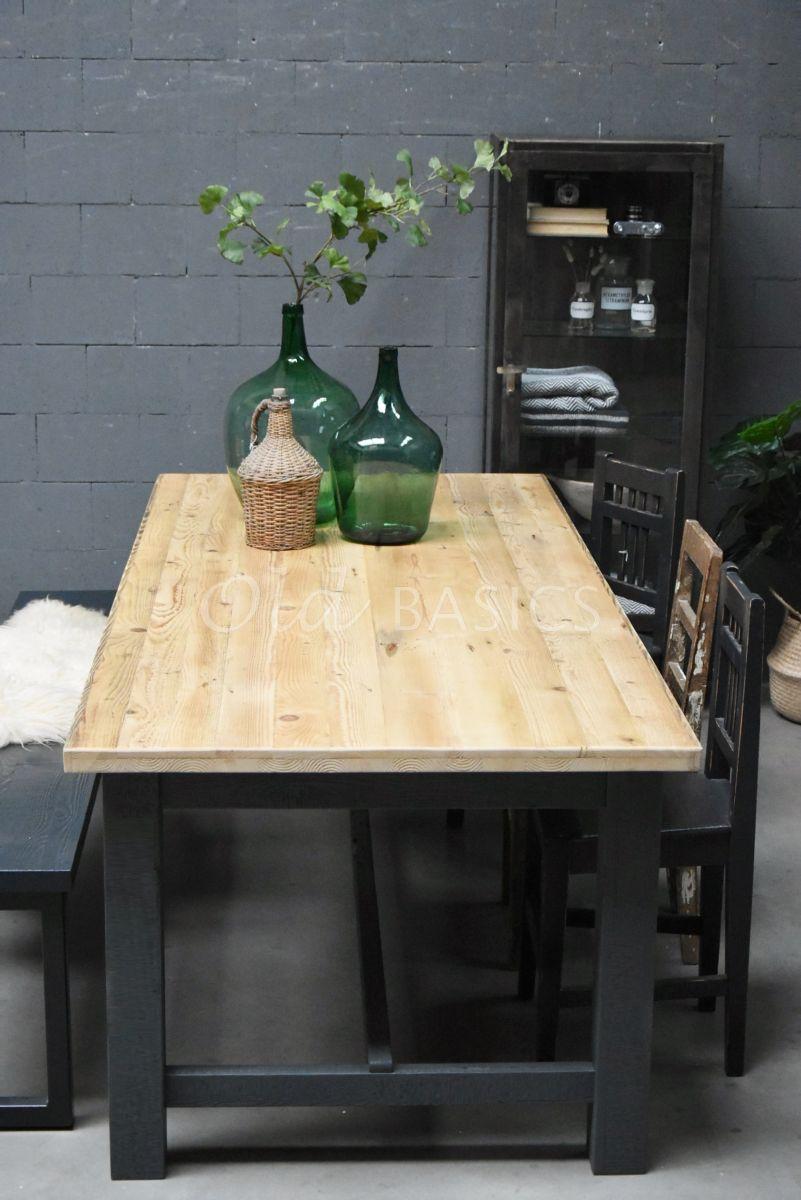 Eettafel Rustique (recht), RAL7043, naturel, grijs, materiaal hout