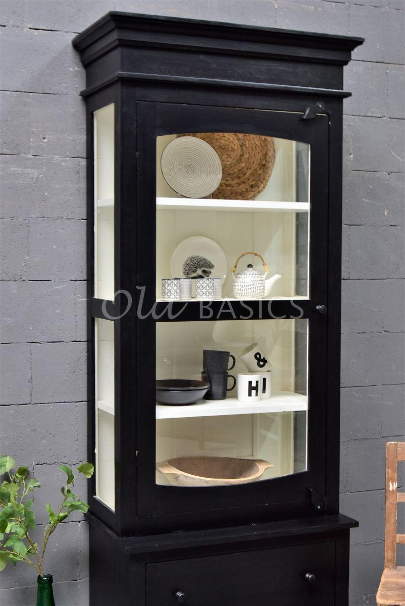 Detail van Vitrinekast Ines, 1 deuren, RAL9005, zwart, materiaal hout