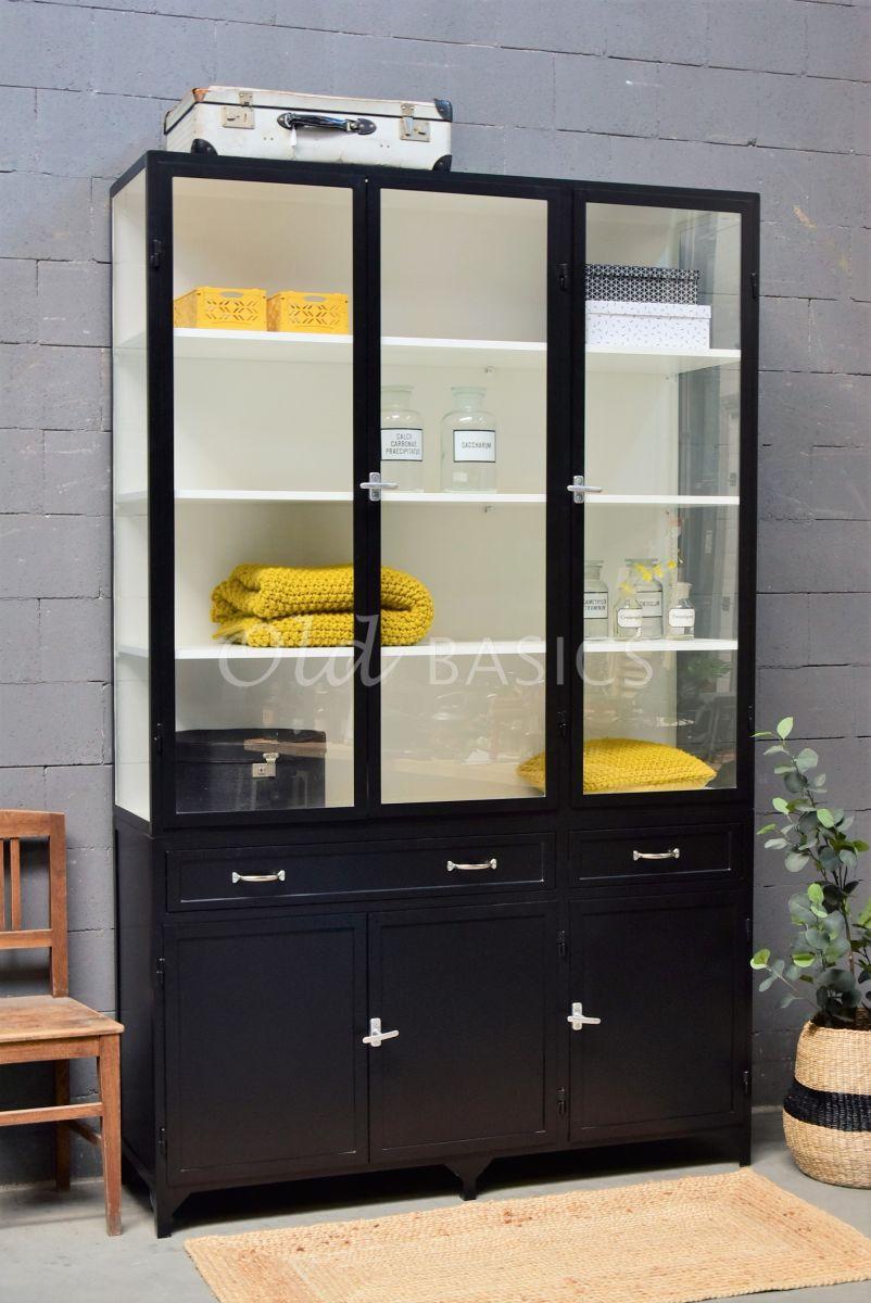Apothekerskast Ferro, 3 deuren, RAL9005, zwart, materiaal staal