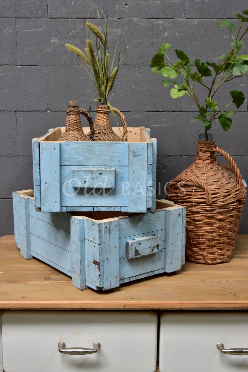 Detail van Houten bak, blauw, materiaal hout