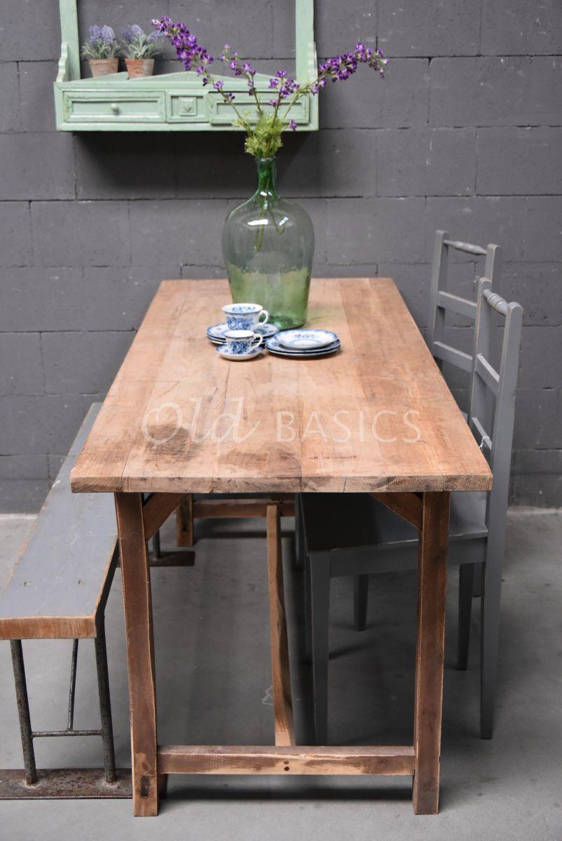 Detail van Tafel, naturel, materiaal hout