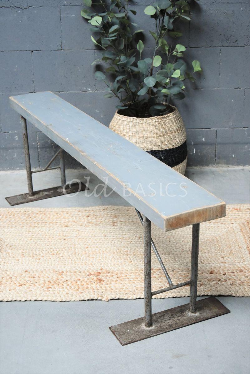 Metalen bank, grijs, materiaal staal