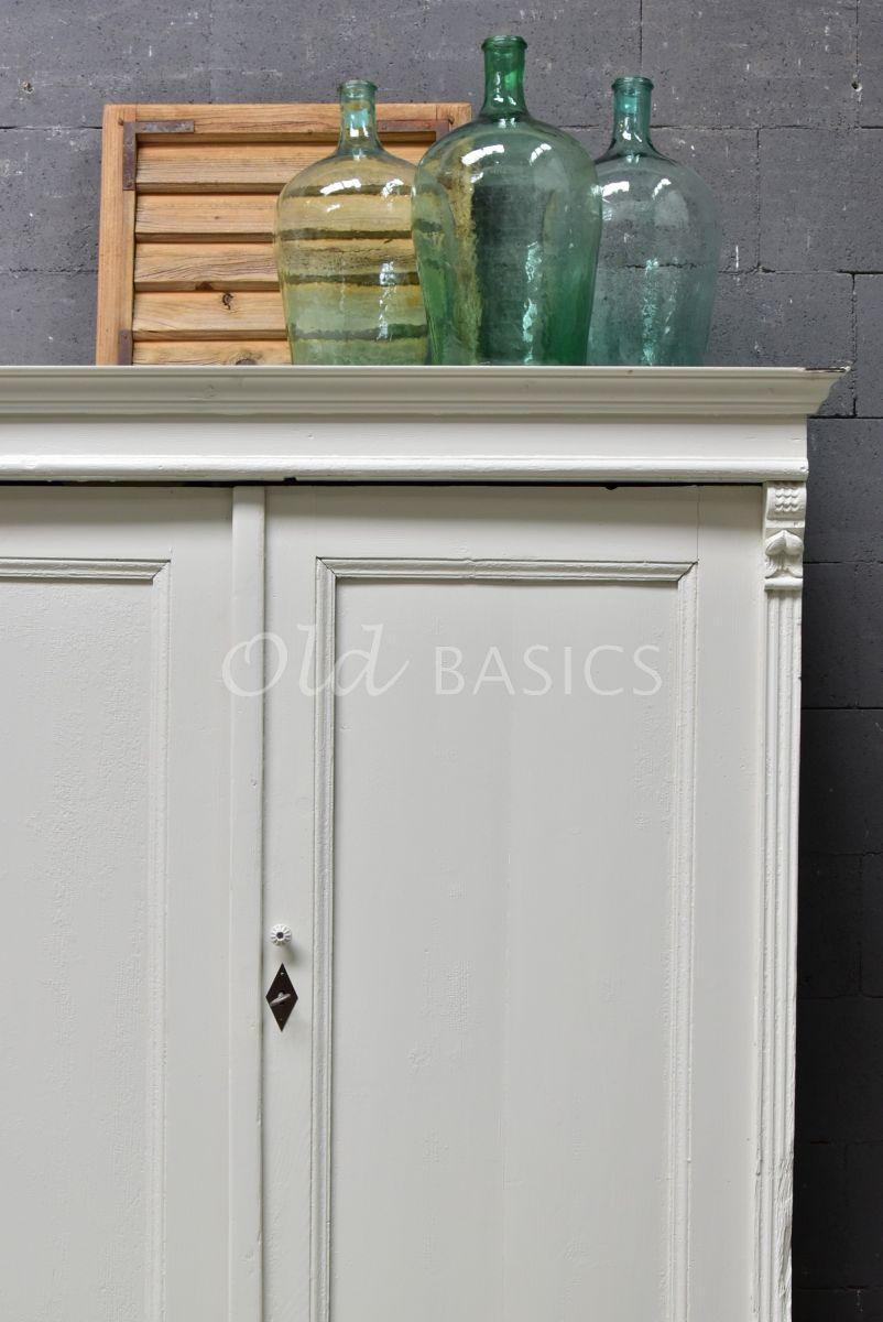 Detail van Brocante kast, wit, materiaal hout