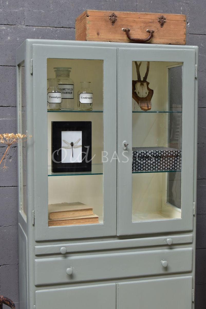 Detail van Apothekerskast, groen, grijs, materiaal hout