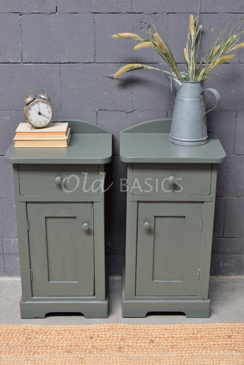 Detail van Set nachtkastjes, groen, grijs, materiaal hout