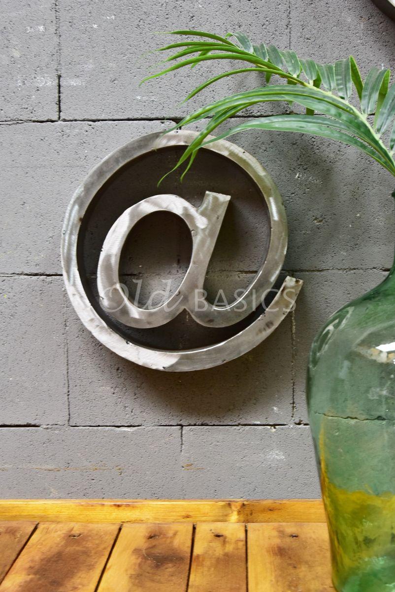 @teken klein, roest, materiaal staal
