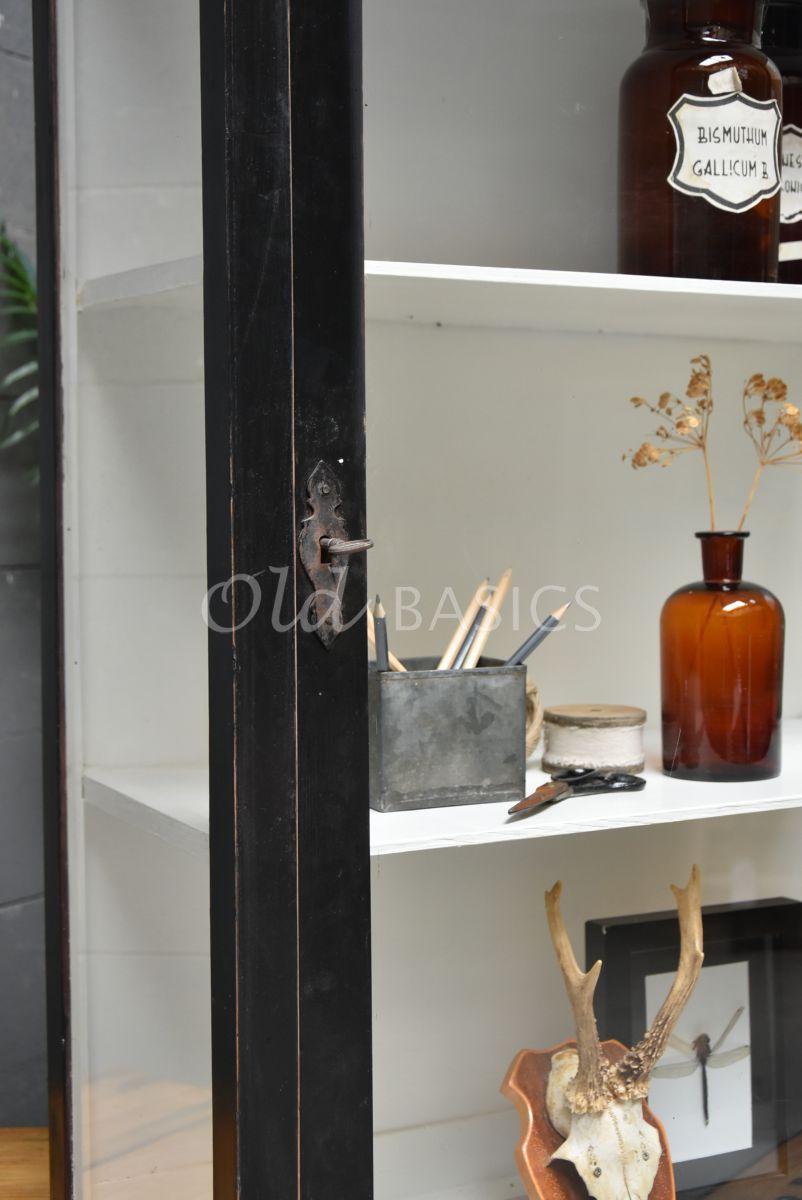 Detail van Wandkast, zwart, materiaal hout