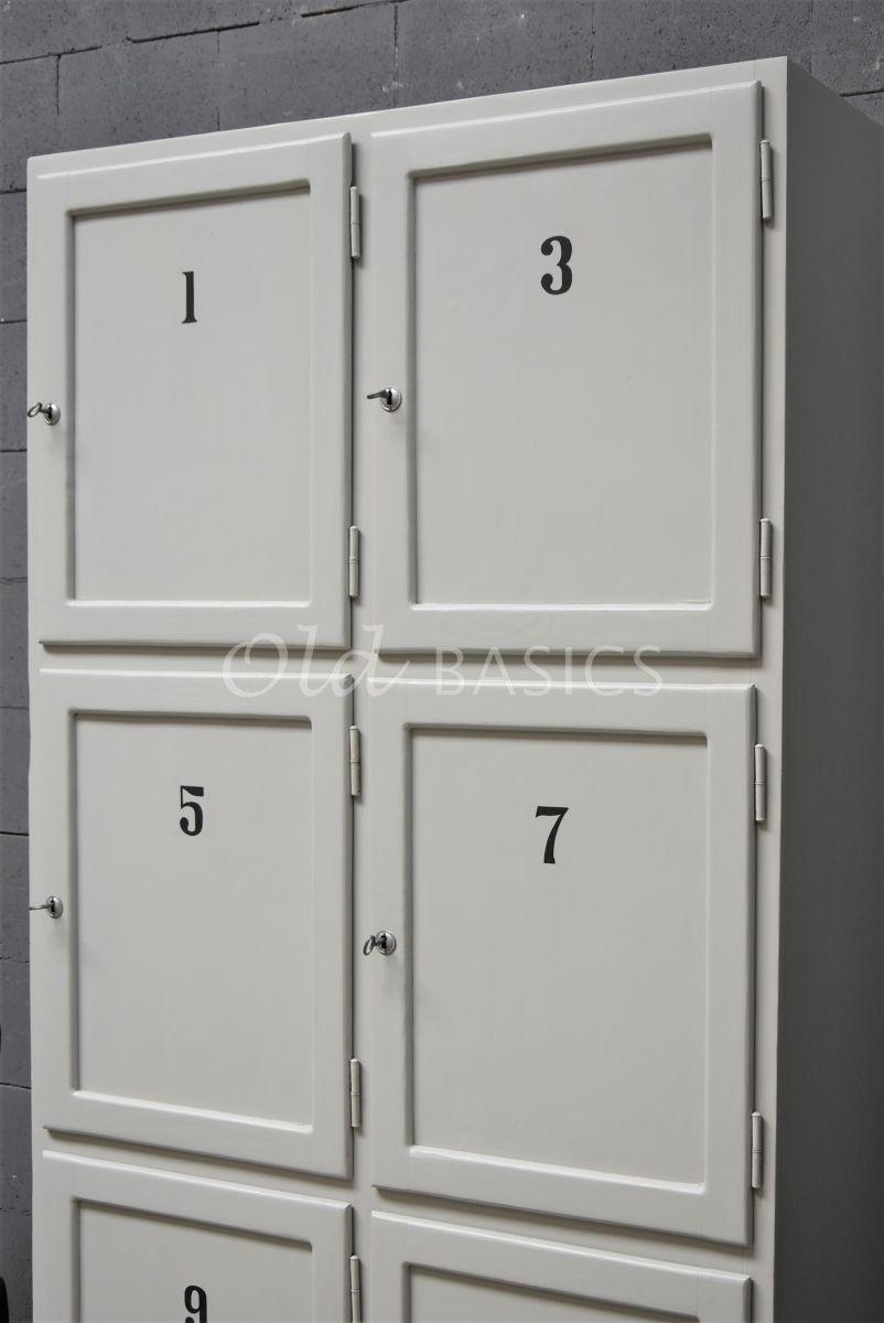 Detail van Lockerkast Numero, 2 deuren, RAL7044, grijs, materiaal hout