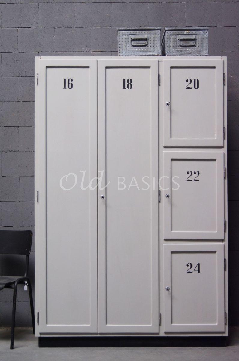Detail van Lockerkast Numero, 3 deuren, RAL7044, grijs, materiaal hout